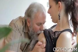 Baixar video porno gozando na buceta da irmã