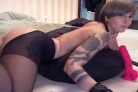 Vídeos de mulheres com cona peluda