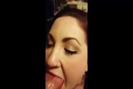 Máe obriga a filha a fazer sexo com ela