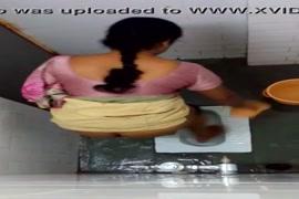 Japonesa do cabelo roxo sexo