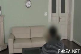 Video mulher nua com cavalo para baixa