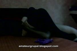 Imagem de mule pelada com a buceta pequena goda
