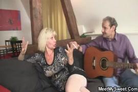 Video de sexo molher jorando esperma pela buceta