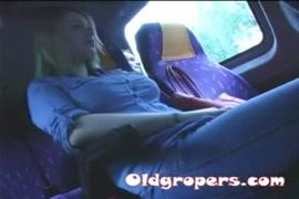 Quero abaixa e grava no célula vídeo de sexo com mulheres velhas no iotube
