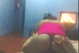 Mulher dancando nuas baixa video