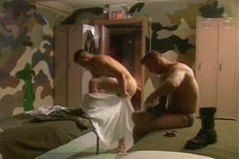 Baixa videos porno no celula novinha sendo forcada a fazer sexo com o pai