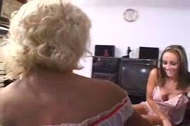 Asistir videos de mulheres egatadas com cachorros