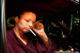 Baixa vídeo de mulheres transando com animais grátis