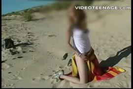 Filha ver o pai batendo punheta e faz sexo violento