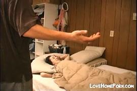 Mulher metendo o dedo na buceta da jumenta videos assiste