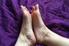 Mae faz porno com filho e avo au mesmo tempo na cona e no cu delas